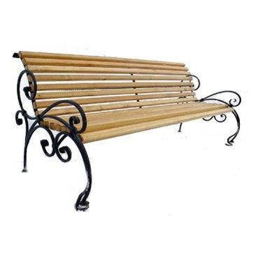 5 things you should know about wrought iron:it's fancy, it works well with wood, it inspires elegance, it's the perfect material for furniture and it lasts for generations. This simple yet beautifull bench is a great example to this statement