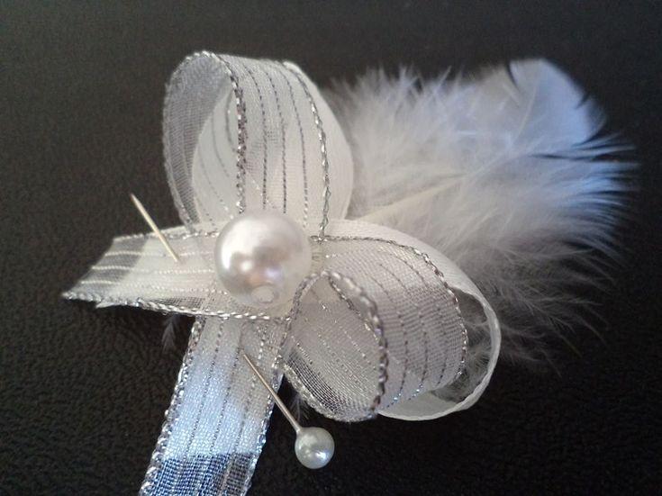 Svadobné pierko - biele peria + biela+ strieborná