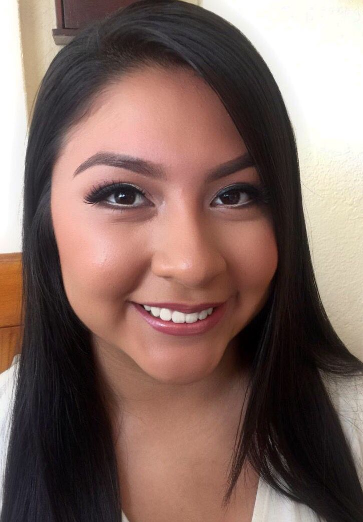 Senior portrait makeup