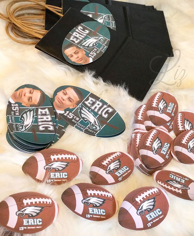 "It's Football Season and it's an ""Eagles"" thing  Eric's 15th Birthday Party personalized details / Es temporada de fútbol americano y diseñamos estos detalles personalizados para los 15 años de Eric! #football #eagles  #cricutmade #partygoods #partydecor #papergoods #birthdayparty #americanfootball #pennsylvania #philadelphia #NFL #personalized #personalizeddetails #handmade #handcrafted #makersgonnamake"