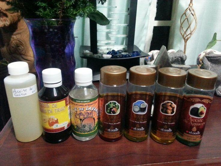 Fórmula de 7 aceites en partes iguales para hacer crecer el cabello: aceite de aguacate, almendras, coco, jojoba, lavanda, trigo y castor. Aplica una o dos veces a la semana en cuero cabelludo dando masaje