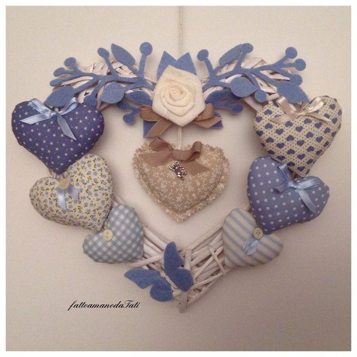Cuore/fiocco nascita 8 cuori sui toni dell'azzurro con rosa e farfalla, by fattoamanodaTati, su misshobby.com