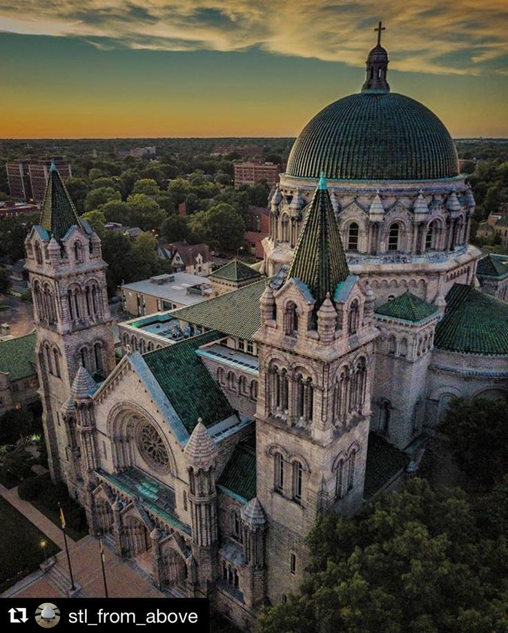 #Repost @stl_from_above  Cathedral Basilica in the Central West End . . . #stlouis #aerialphoto #dronestagram #STL #stlouisgram #explorestlouis #aerialphotography #stlouismo #photography #photographer #city #sunset #church #Catholic #Illinois #Missouri #s
