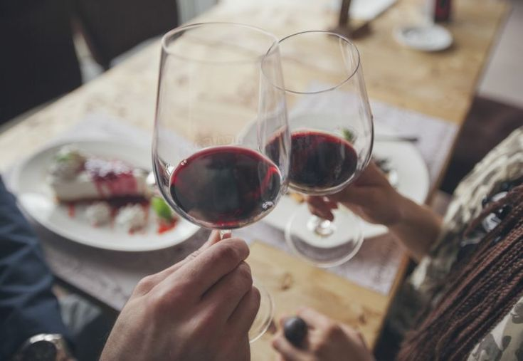 #Aging study finds #alcohol may be the secret to a longer life — but how much can you drink? #health #eating #drinking