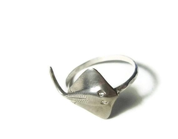 Stingray Sterling Silver Ring: This is the only type of stingray you should give a high five to.