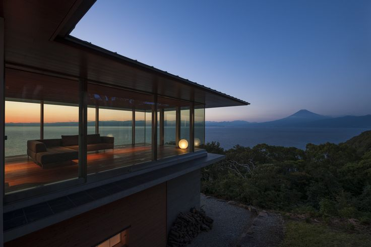 伊豆、藤沢、湘南の建築・設計 大同工業 メディア掲載 新建築 住宅特集12月号に『西伊豆の家』が掲載