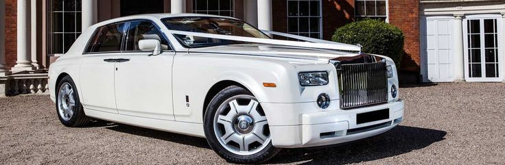 Royal London Chauffeur is proud to offer luxury chauffeur service in London for weddings. You can chose from wide range of Mercedes and BMW Vehicles that will make your wedding memorable and grand.