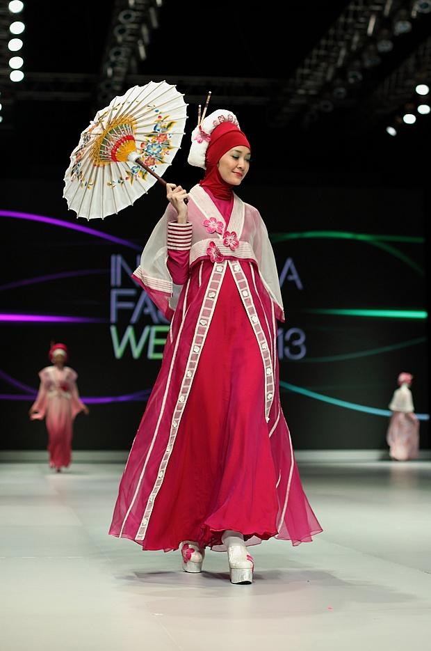 IFW 2013 # 37 Tuti Adib – Pretty Romance