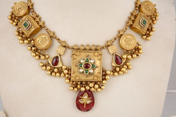 http://clothingandjewellery.blogspot.in/search/label/Ethnique jewellery