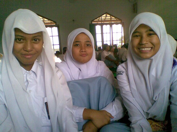 X-7 atun, @dinandamaya, and @DzikrinaSar_ ♥
