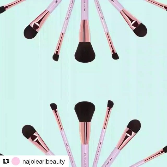 @najolearibeauty #makeup brush set! Powered by @imei.uptogoodideas 💅💄#beauty #makeup #makeuprevolution #brushes #brandnewideas #UpToGoodIdeas #2017project #ourclients