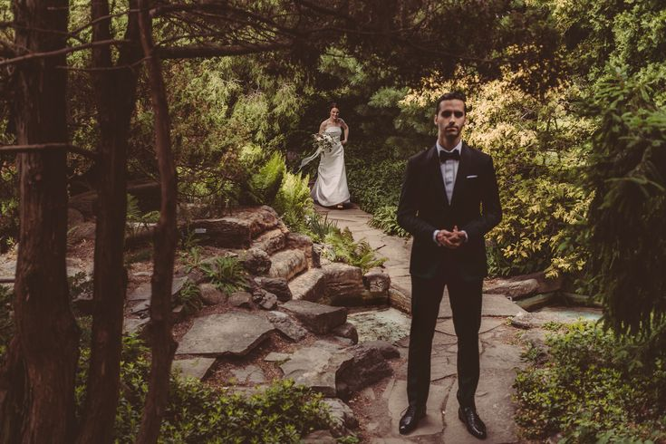 PHOTOGRAPHY: Joel + Justyna Bedford; Horticulture Building Wedding Ottawa; First look at the Arboretum Ottawa;