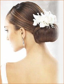 @Amy Lyons Lyons Van Dyke -- for my hair I kinda like this idea. but I wouldn't have as large of a bun I think she gottaaaa lotttaaa hurrr.. what u think?