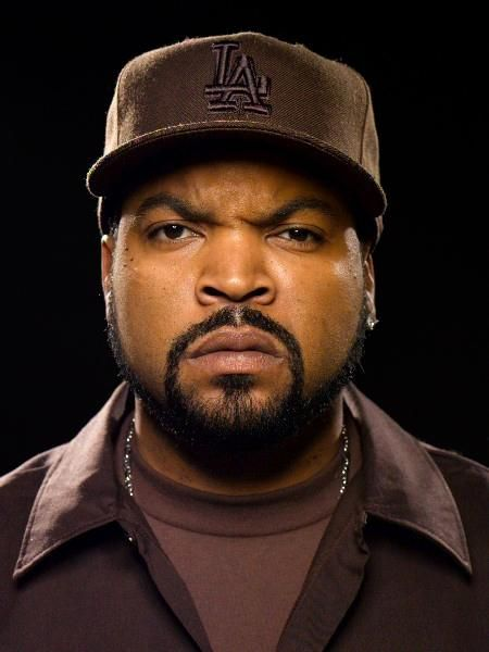 #IceCubeEverythangsCorrupt #IceCube #EVerythangsCorrupt The tenth release from the rapper/actor that includes 'Drop Girl' featuring Redfoo and 2 Chainz....