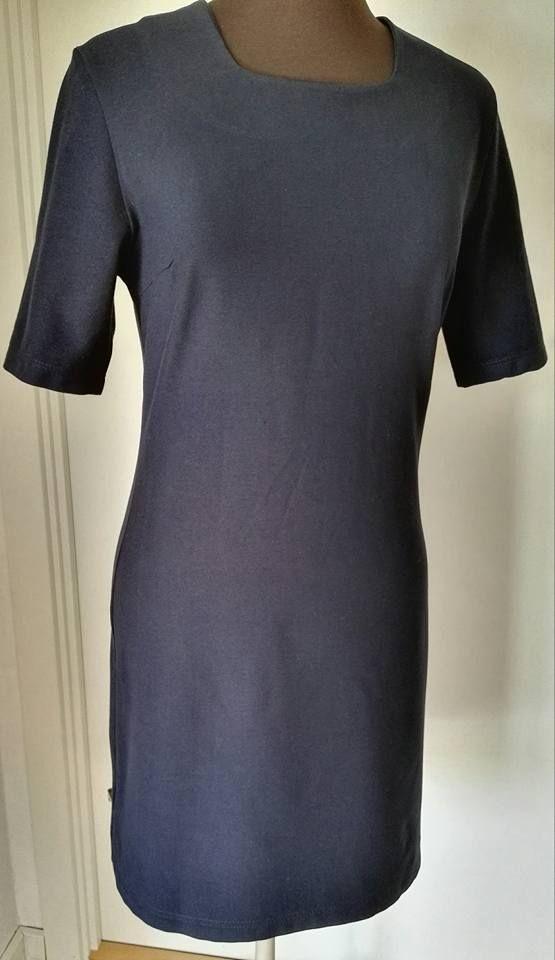 2016 kjole i fast stof.