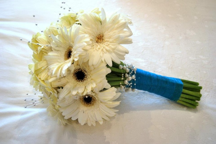 Gerbera with pearls and silver bling