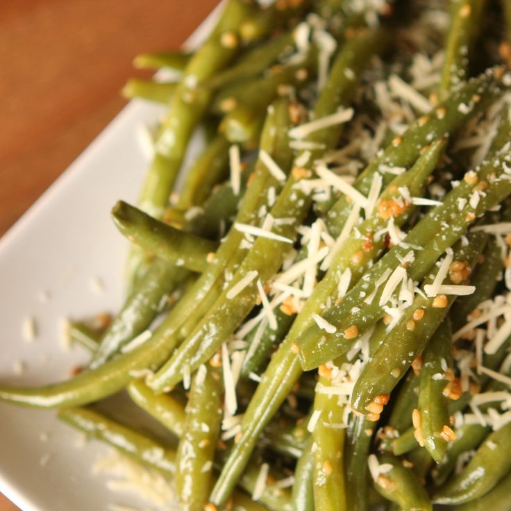 Garlic Parmesan Green Beans Recipe | Six Sisters' Stuff