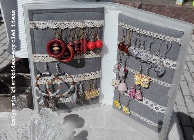 VHS cover jewelry rack