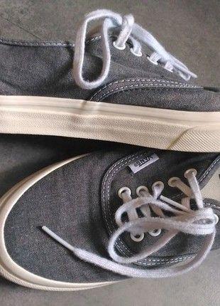 À vendre sur #vintedfrance ! http://www.vinted.fr/chaussures-femmes/sandales/23867304-vans-gris-chine-taille-39-tres-bon-etat
