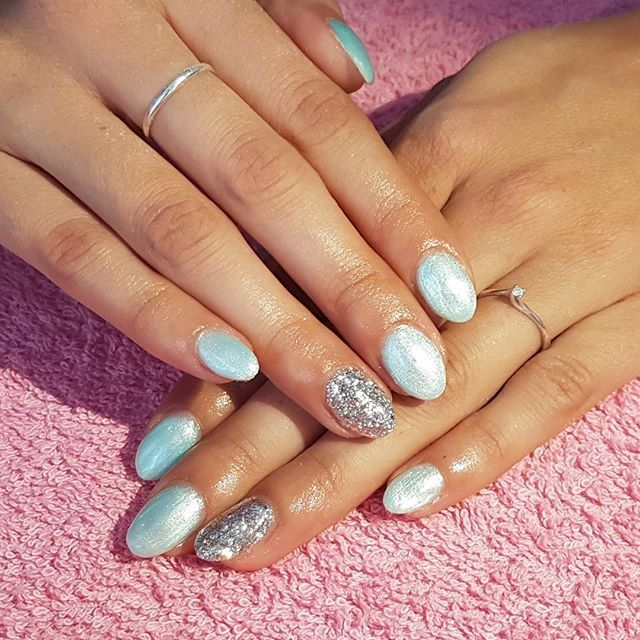 """#HashTags #art #beautiful #beauty #branco #cute #essie #fashion #girl #girls #gliter #instagood #love #nail #nailart #nailpolish #nails #nailswag #opi #photooftheday #polish #preto #pretty #rosa #shiny #sparkles #style #styles #stylish #unhas"" by @meryna"