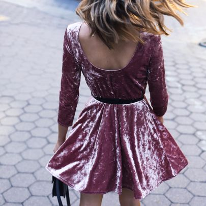 • back details of this little pink velvet number | link in profile for details! • #30DRESSESin30DAYS #pinkvelvet #velvet #twirl #bridalshower http://liketk.it/2pz2x @liketoknow.it #liketkit