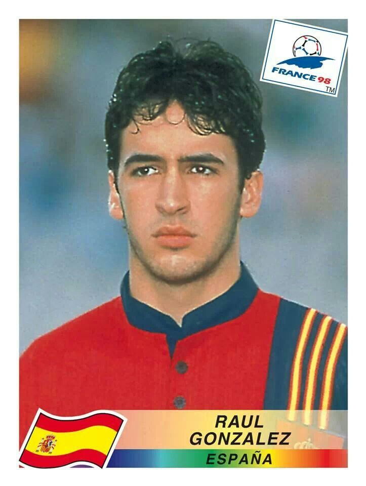 Goleador histórico del Real Madrid, un icono en la historia del fútbol español.