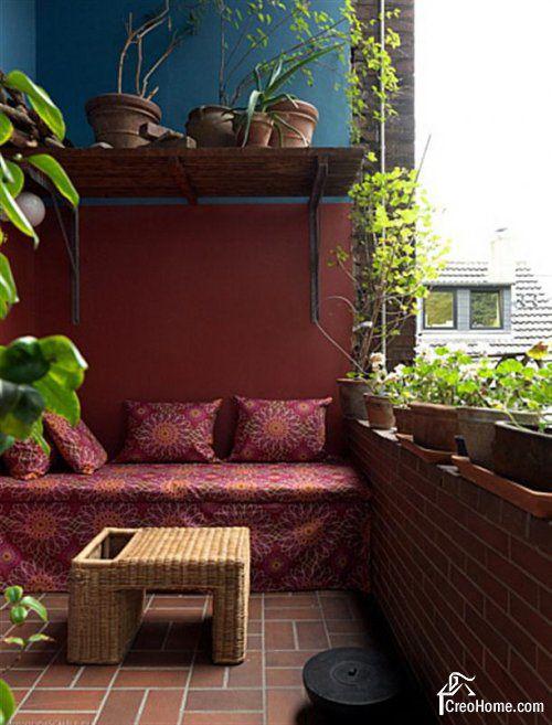 Mættede farve :) Bemærk sengebakken i flet, der her er bruges som bord #Balcony