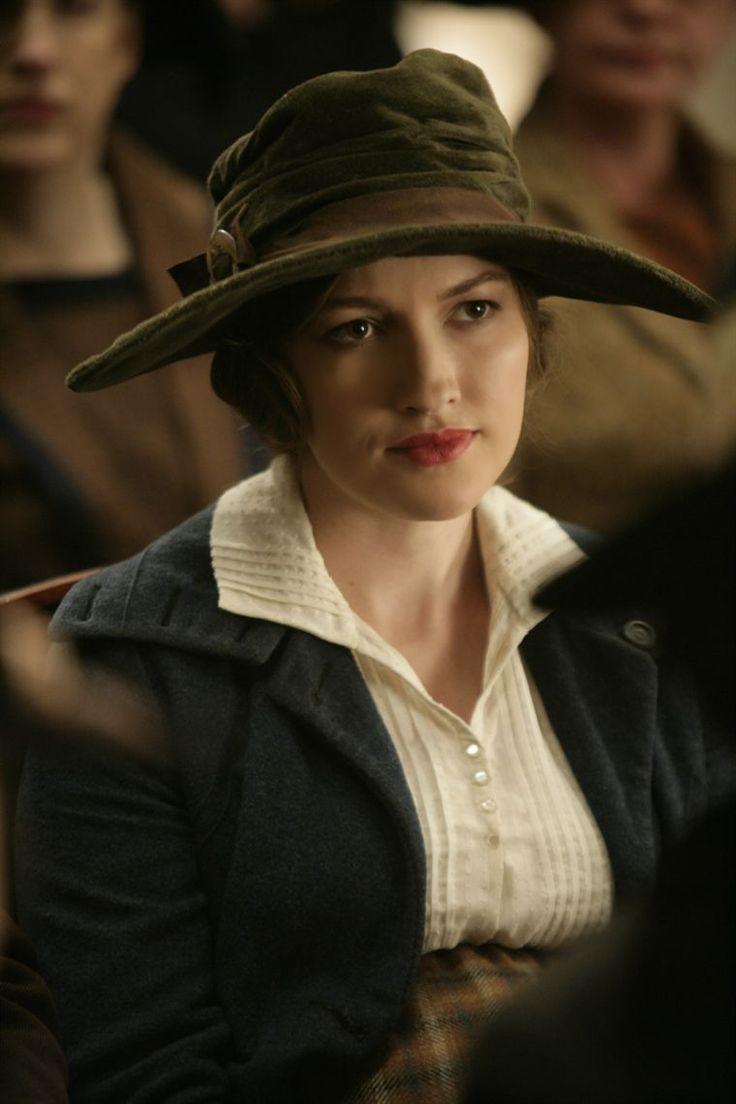 Kelly MacDonald as Margaret Schroeder in Boardwalk Empire 1x01