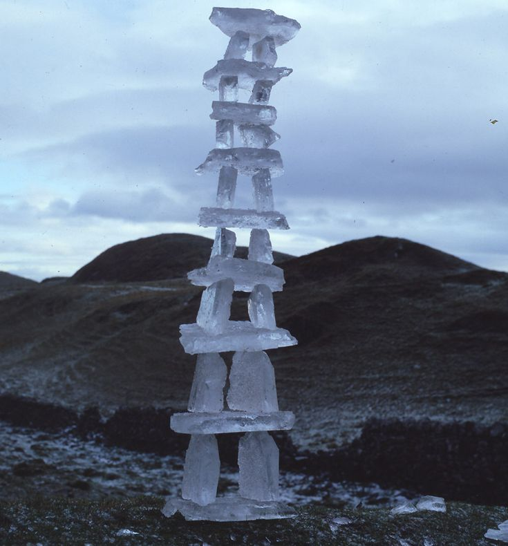 Andy Goldsworthy - Balanced Ice column