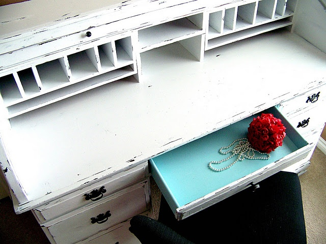 great desk refinishing tutorial http://www.the36thavenue.com/2011/05/value-of-a-desk.html
