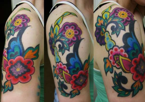 :D so whimsical and bright! This tattoo makes me happy and I'm jealous of whoever has it!