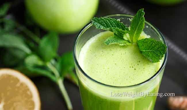 Detox juice recipes are considered to be one of the best ways to lose weight fast. Here you will find the 10 best detox juice recipes.