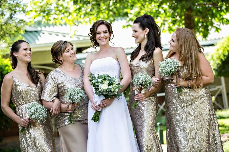 Dilightful Flowers - Bridal Party with Bouquets