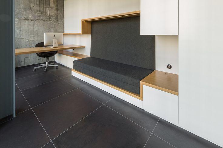 Home Office : Moderne Arbeitszimmer von dieMeisterTischler