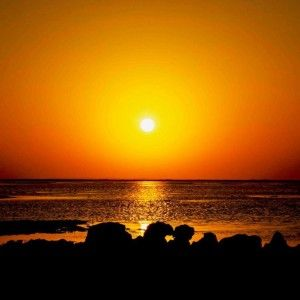 The sun sinks below the horizon faster around the September and March equinoxes than at any other time.