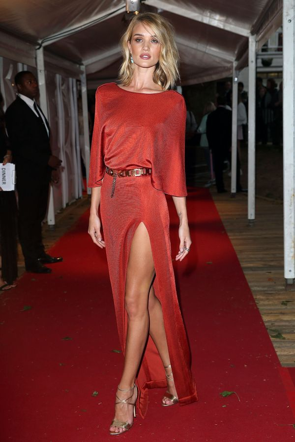Fab Five: Must-See Looks From The Glamour Awards | The Zoe Report I Rosie Huntington-Whiteley in Cushnie Et Ochs.