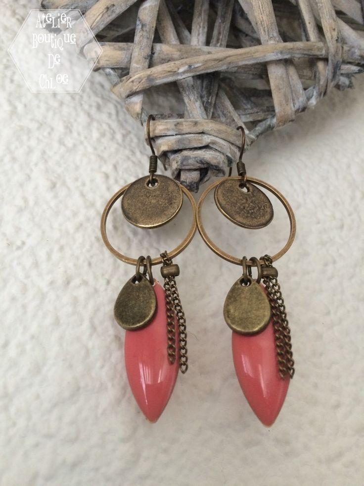 Boucles d'oreille bohème chic bronze & corail : Boucles d'oreille par atelier-boutique-de-chloe