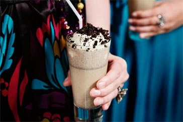 Cookies 'n' cream dessert cocktail