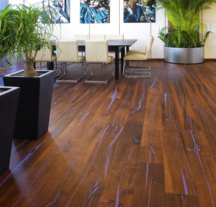 extravaganter und zugleich strapazierfhiger naturholzboden der besonders durch die starken farbschattierungen im holz begeistert - Geflschte Hartholzbden Ber Teppich