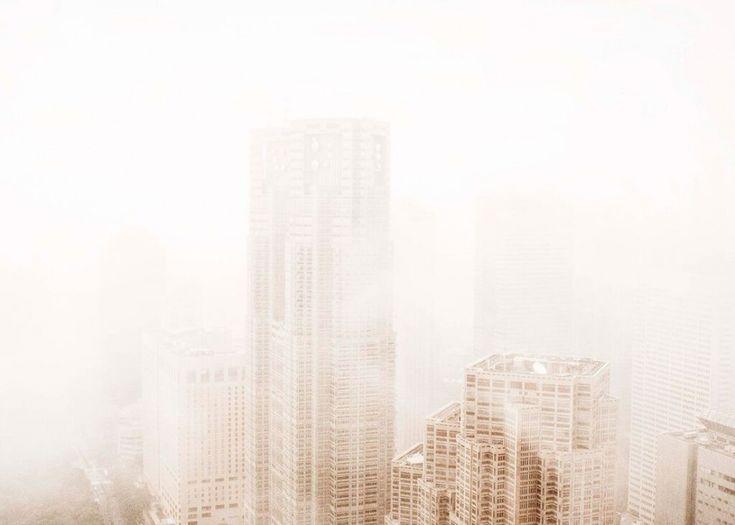 Nyhet fra Papercollective. Fotokunst er en av de strekeste trendensene vi ser denne sesongen og vi ser stolte av å kunne presentereLasse Bech Martinussens Tokyo Posteren er i limited edit