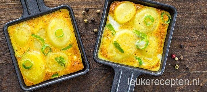 Leuk als bijgerecht voor de gourmet avond: mini aardappel-ei pannenkoekjes met bosui