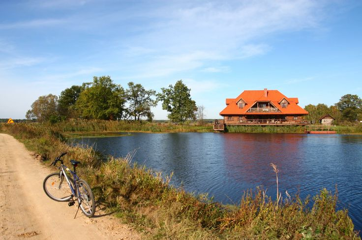 "Enjoy cycling in Kiermusy. You can rent a bike in ""Swans"" - Riverside Manor."