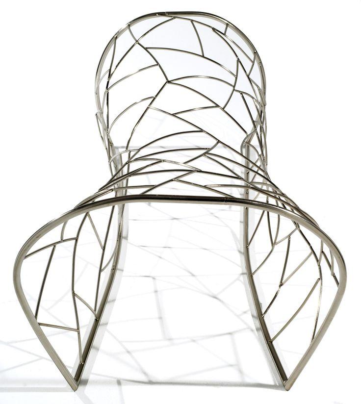 GROWTH - Chaise longue con struttura in ottone nichelato; Design: Eli Gutierrez; Produzione: Guerra