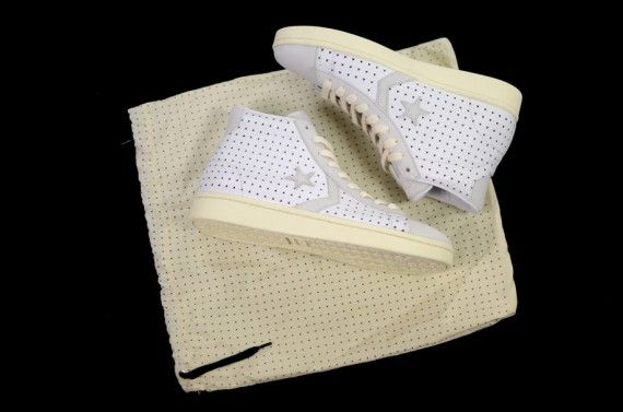 ace hotel converse first string pro leather 3 570x377 Ace Hotel x Converse First String Pro Leather
