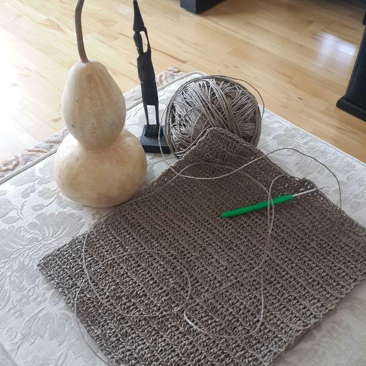 Kâğıt ip çanta çalışması.   #handmade #elemeği #sevgiyleörüyoruz #grannyrippleblanket #orgumuseviyorum #Grannysquareday #smittenblanket #vintagestyle #pinklove #crochetblanket #virkning #knittinglove #tığişi #pastelove #tığişiçanta #kağıtip #diy #örgümodelleri #örgüaşkı #crochetmood #haken #hanımelinden #crochet by nur_sofuoglu