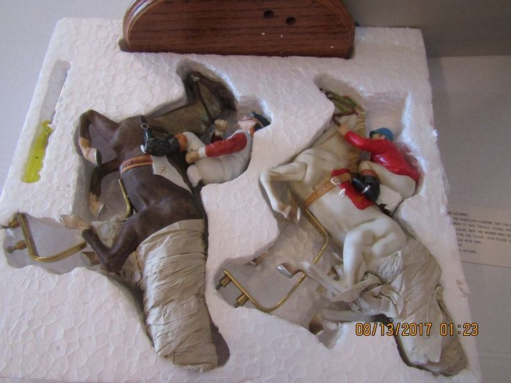 Willetts-Equestrian Collection 2 Jockeys on Race Horses on Wood Base