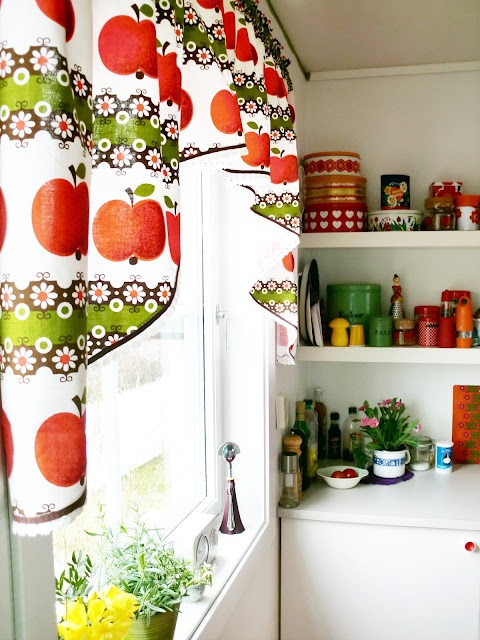 380 best Apple Kitchen images on Pinterest | Apple kitchen decor ...