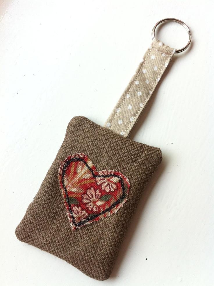 Heart free motion embroidery keyring. £5.99, via Etsy.