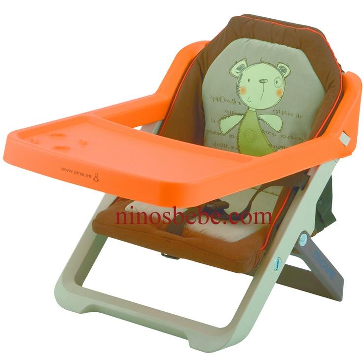 Silla para bebés plegable y convertible en trona, se acopla a la silla del adulto mediante dos correas de sujeción. Incorpora cinturón de seguridad, bandeja y tapizado acolchado extraíbles para facilitar su limpieza. De reducido peso y volumen, incluye bolsa de transporte. Cómprala en: http://www.ninosbebe.com/tienda/Puericultura/Tronas-de-viaje/Trona-viaje-MOVE-J61.html#cont