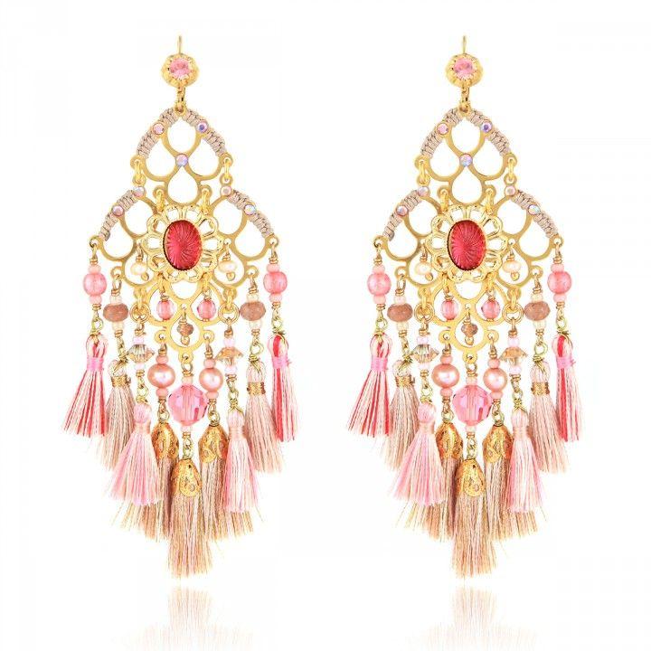 BOUCLES D'OREILLES REINE MINI POMPON #gasbijoux #bijoux #mode #fashion #jewellery #jewel #fantaisiedexception #savoirfaire #faitmain #handmade #bouclesdoreilles #earrings
